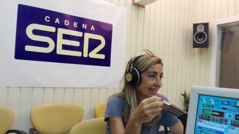 Roxana Sáez, en los estudios de Radio Jerez