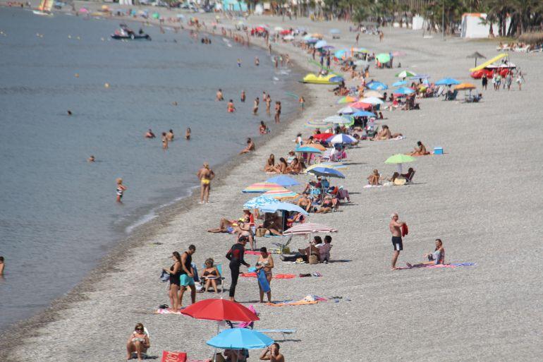 Imagen de la Playa de La Herradura durante el mes de Septiembre