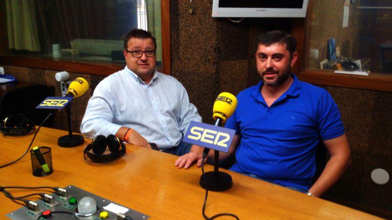 Rafael Salgado, de Ourense no Tempo, y Senén Rodríguez, presidente de la Asociación de Vecinos de Santa Teresita del 21