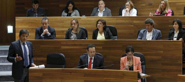 La intervención de Fernández fue seguida por el grupo parlamentario socialista al completo.