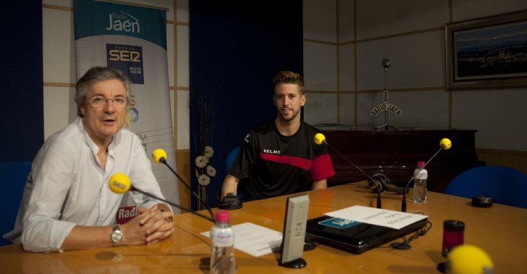 Eduardo Oliver (izquierda) y el jugador del Jaén Paraíso Interior FS, Jordi Campoy.