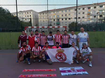 Culturalistas y sportinguistas de Madrid se juntaron en torno a un balón