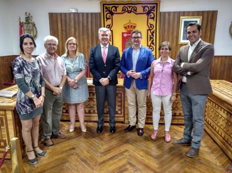 El secretario de Estado de Hacienda, José Enrique Fernández de Moya, ha anunciado al ayuntamiento que se concede un crédito de 272.417 euros para pagar una indemnización.