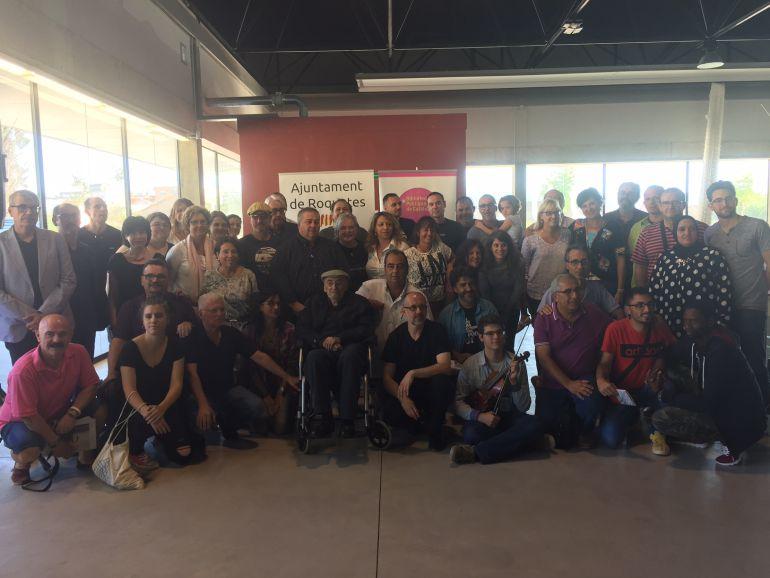 Foto de família dels participants en l'acte de Roquetes.