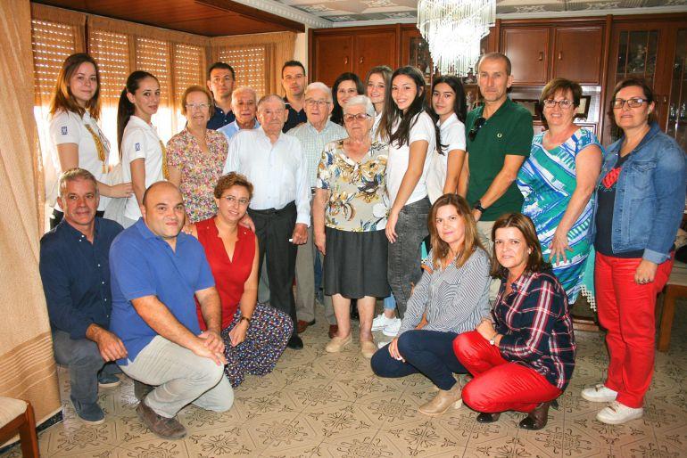 El Día de los Mayores reúne a 1.150 vecinos en las fiestas