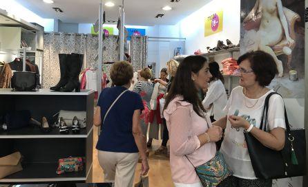 Clientas de la tienda de Cáritas en Jaén.