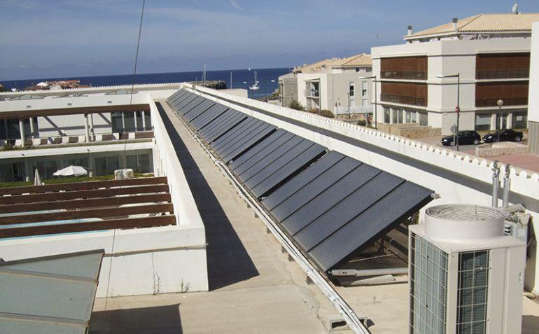 Cada vez hay más tejados menorquines que se llenan de placas fotovoltáicas.