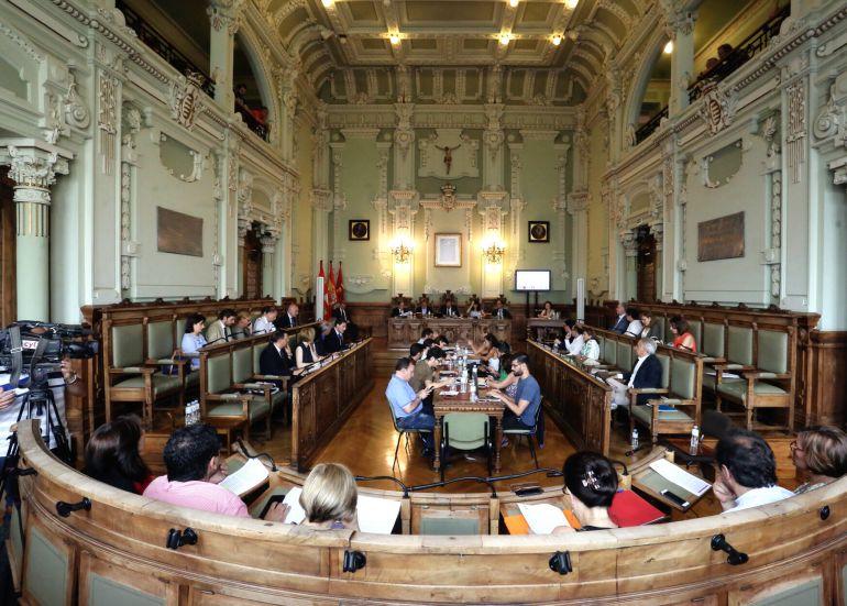 El Ayuntamiento recuerda a los alcaldes Quintana y Landrove