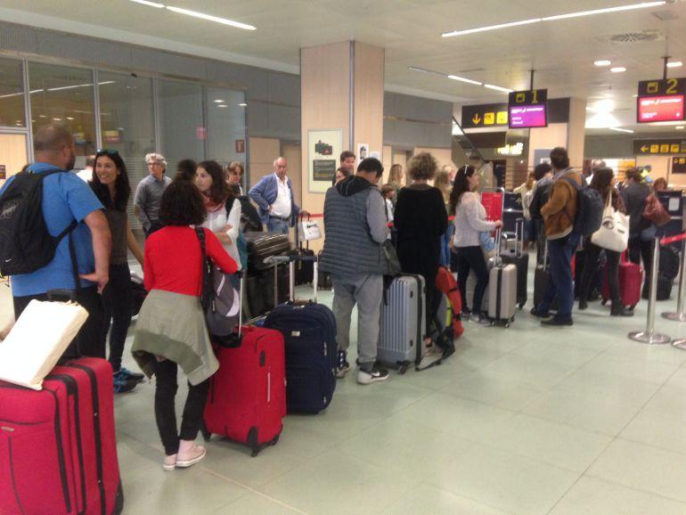 Colas en el Aeropuerto de Ibiza