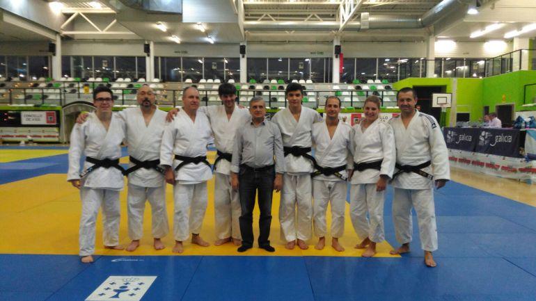 Seis alumnos del maestro, Manuel Montero superaron sus respectivos exámenes de paso de grado, cinturones negros