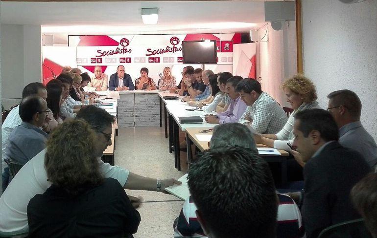 Reunión de la nueva ejecutiva provincial socialista, en la tarde del pasado martes