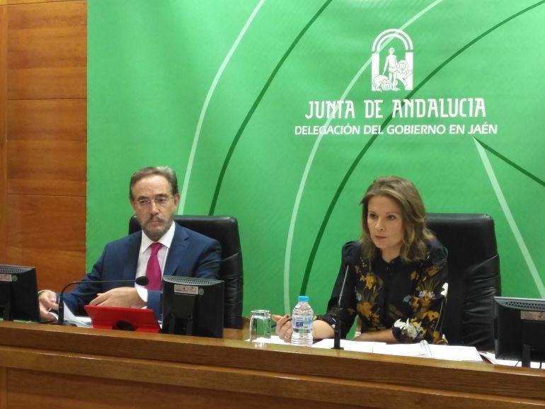 Felipe López y Ana Cobo en la presentación de los presupuestos de la Junta para 2018