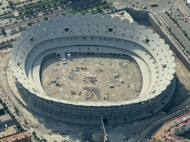 El Valencia aumentará la distancia entre asientos para reducir el aforo del nuevo estadio