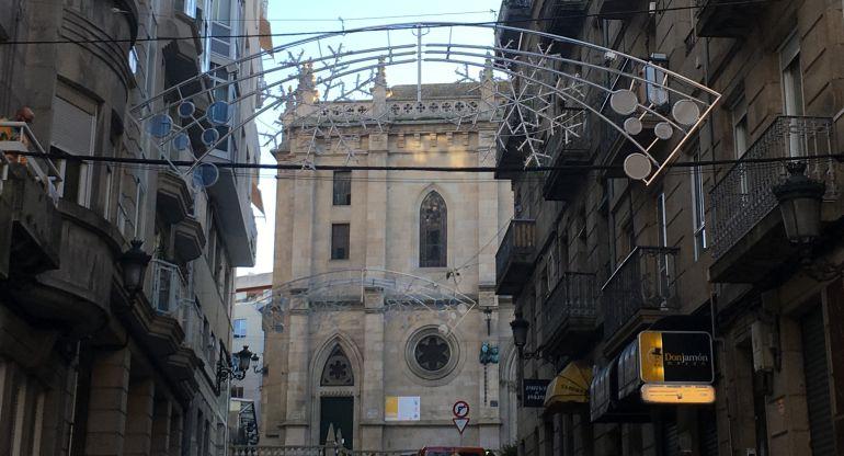 Iluminación navideña en la calle María Auxiliadora de Vigo.