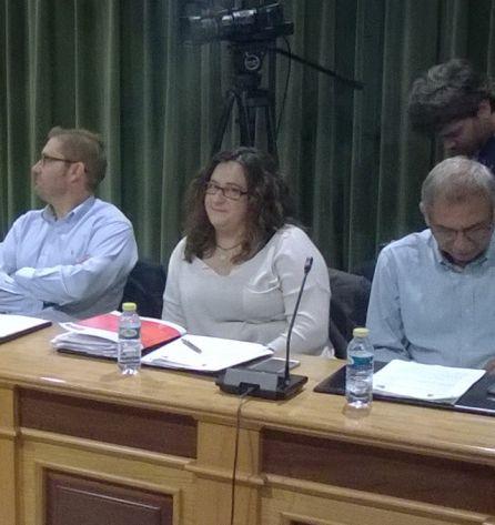 Susana de los Santos (centro) se ha reincorporado a la bancada socialista