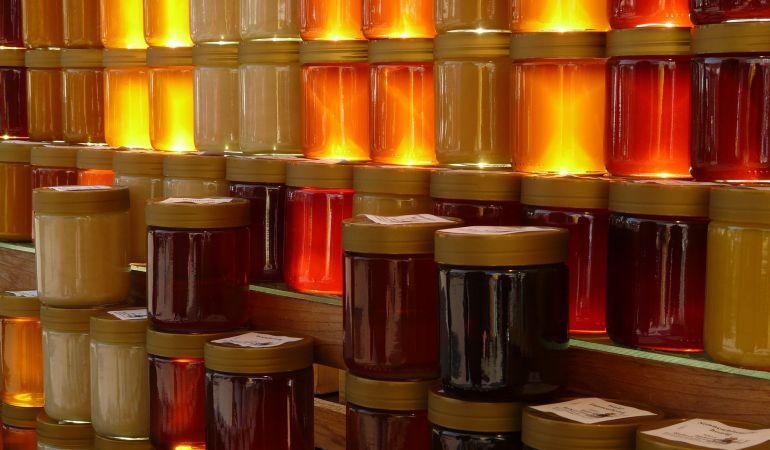 Hay tantas clases de miel como especies de plantas y todas ellas son balsámicas y beneficiosas para la salud