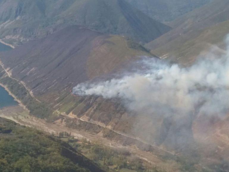 Vista aérea incendio en Matalavilla