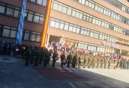 Banderas de Galicia y España en el acto de la Guardia Civil en A Coruña