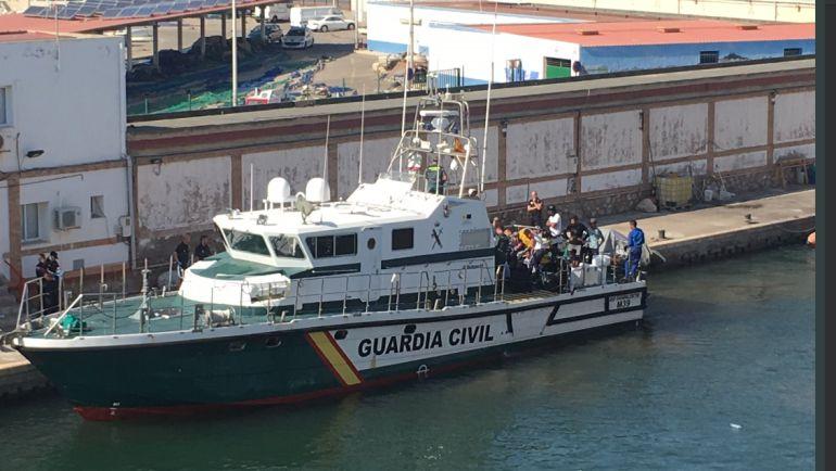 Interceptadas siete nuevas pateras frente a las costas de la Región