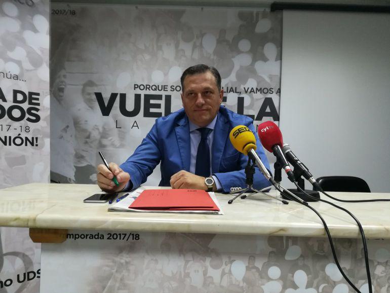 Carlos Martín rompe su silencio a través de una carta en la que desmiente a María Hernández