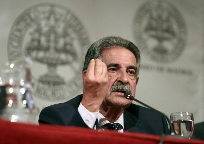 El Presidente de Cantabria, Miguel Ángel Revilla, durante su conferencia en el Ateneo de Madrid en la que analizó la actualidad española.