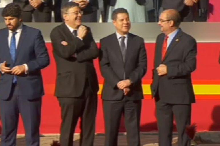 Los presidentes autonómicos Ximo Puig, Emiliano García-Page y Javier Lanvan en el desfile de las fuerzas armadas