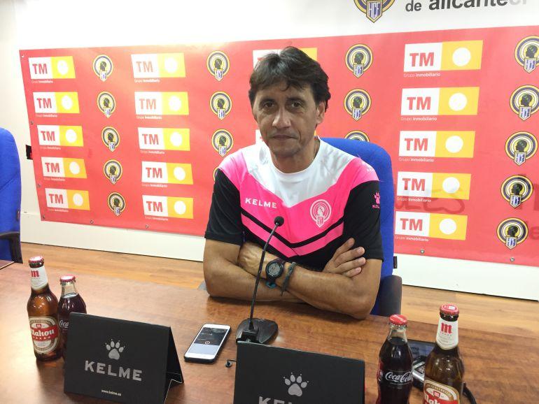 Gustavo Siviero, en la sala de prensa del Rico Pérez