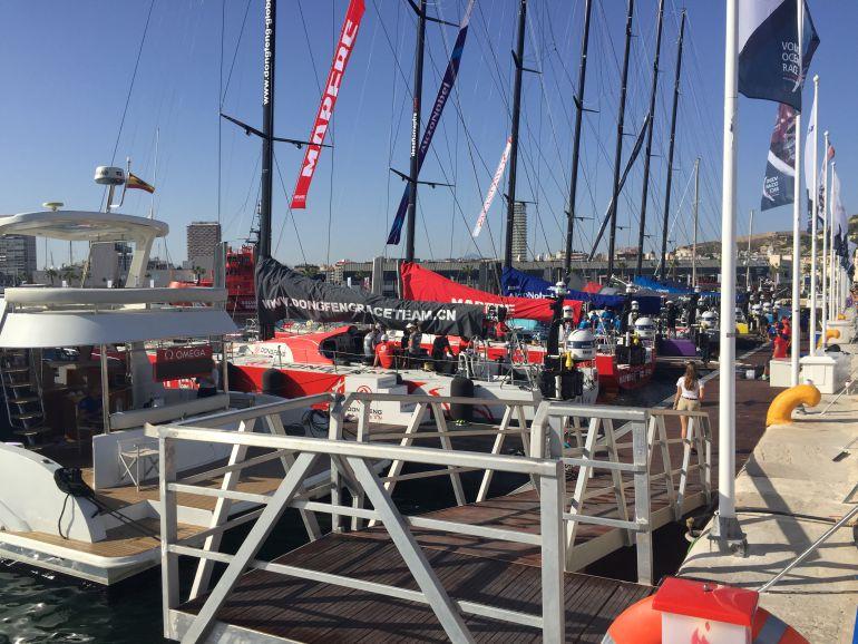 Llegada de los barcos de la Volvo Ocean Race al puerto de Alicante tras la sesión de entrenamiento