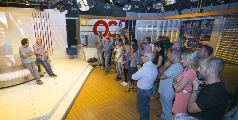 Imagen de la primera visita que José María González y David Navarro realizaron a las instalaciones de Onda Cádiz