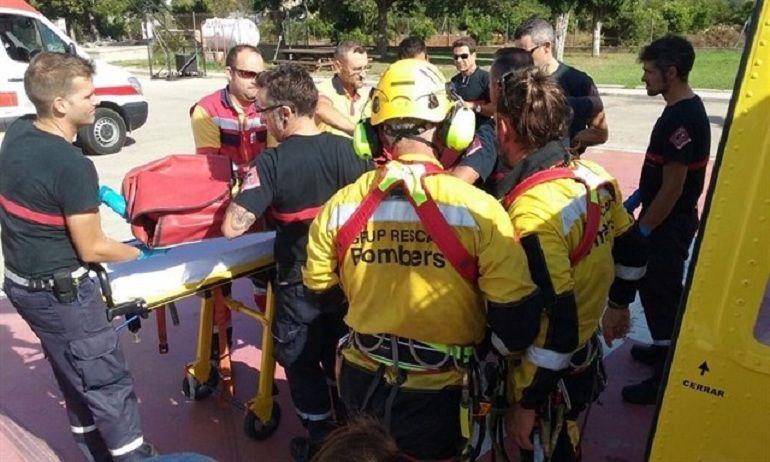 Un helicóptero de bomberos rescata a una senderista en el Montgó