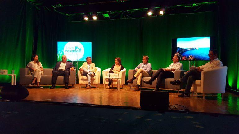 El alcalde de Xàbia (tercero por la izquierda) en el encuentro Save Posidònia Projec, organizado en Formentera.