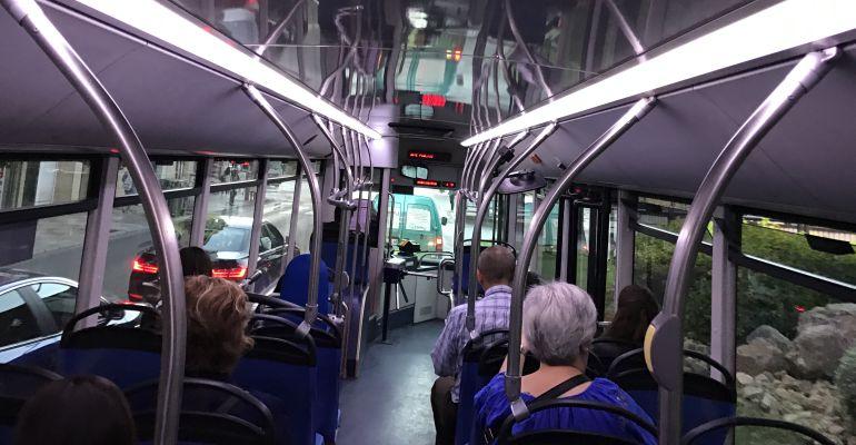 Interior de un autobús urbano de Jaén.