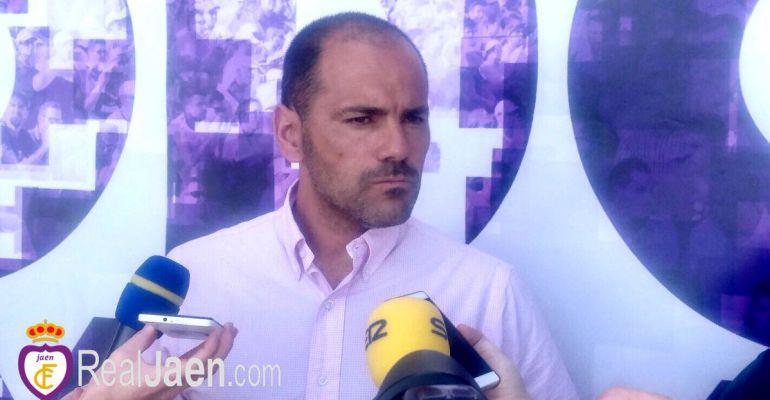 Salva Ballesta, entrenador del Real Jaén, durante su comparecencia ante la prensa este viernes.