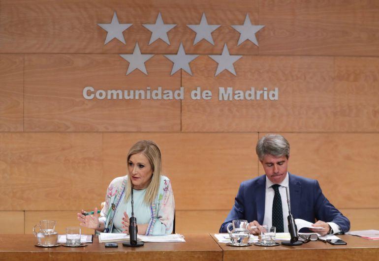 El gobierno madrileño retrasa la entrada en vigor del acuerdo para reforzar a los docentes