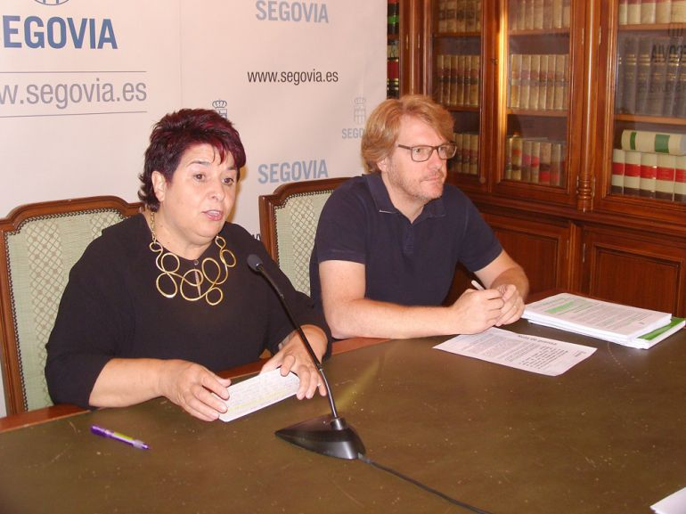 Clara Luquero, alcaldesa de Segovia y Jesús García concejal de Medio Ambiente.