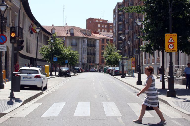 Calles del centro de Valladolid cortadas al tráfico de vehículos a motor por los altos índices de ozono en el aire
