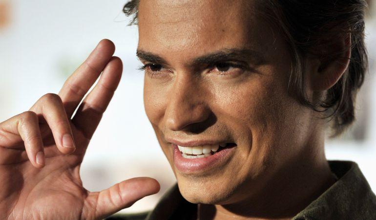 El cantante venezolano es uno de los reclamos de la semana de la moda del centro comercial situado en el barrio de Loranca