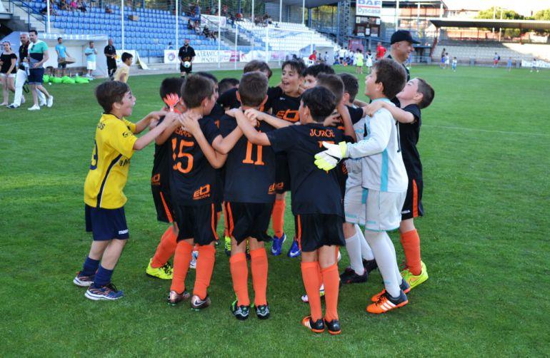 Comienza la I Copa 'Ciudad de la Cerámica' de Fútbol 8 Alevín