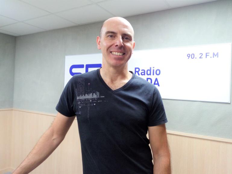 Alejandro Cremades, enfermero del Departamento de Salud Pública de Elda, en Radio Elda