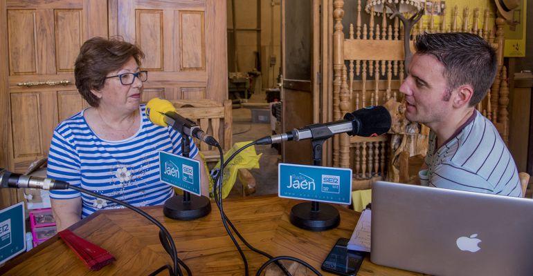 Ani Vico, gerente de Arteoliva del Condado y César García.