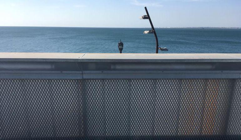 Visión de la bahía de Cádiz desde la pérgola-mirador de Santa Bárbara