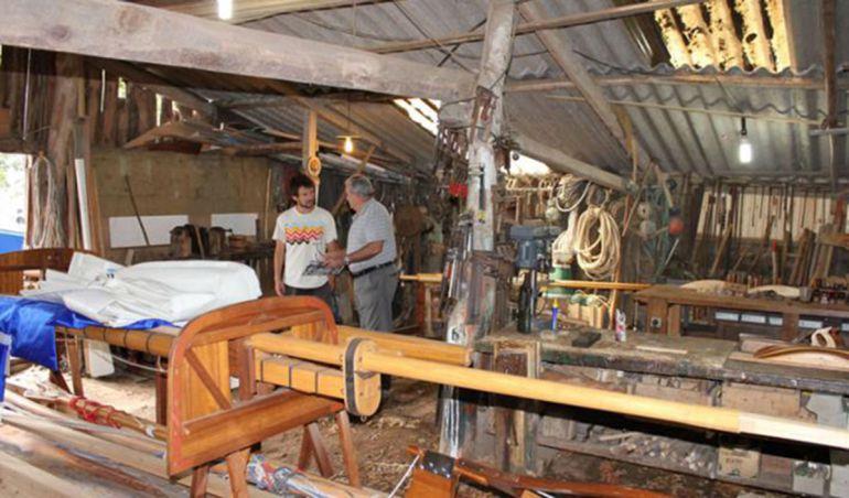 Dos carpinteros de ribeira