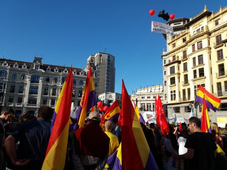 Participantes de las Marchas de la Dignidad,en la plaza de la Escandalera