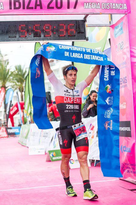 Dapena y Noguera campeones de España de triatlón de larga distancia