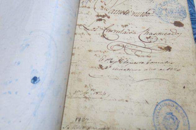 Uno de los textos manuscritos por Adolfo de Castro