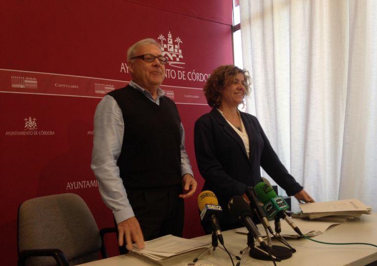 Imagen de la Junta de Gobierno Local, con Alba Doblas y Emilio Aumente.