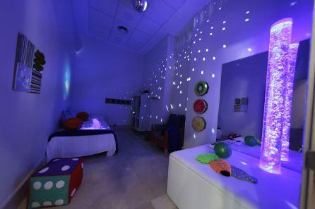 En la sala Snoezelen los residentes con un alto grado de dependencia pueden reaccionar ante estímulos olfativos, visuales o sonoros.