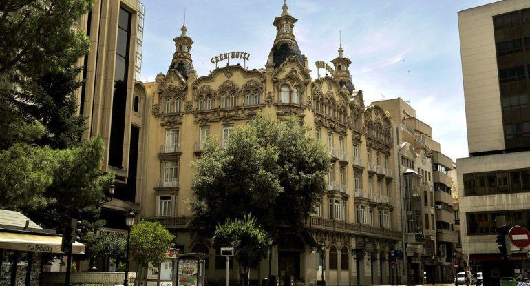 Una exposici n de los arquitectos conmemora el centenario del gran hotel radio albacete - Arquitectos albacete ...