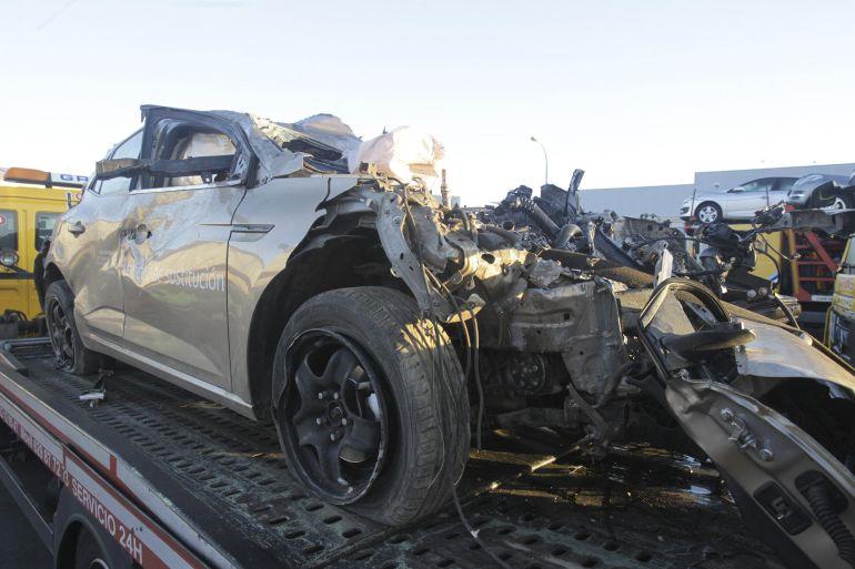 Imagen del vehículo siniestrado este domingo en Juzbado.
