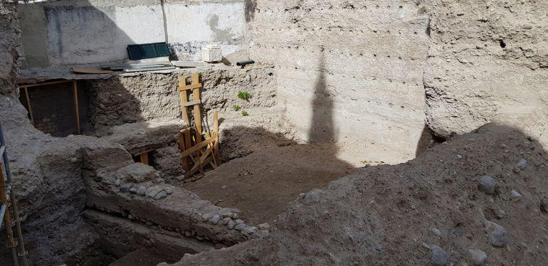 Solar trasero a la ermita de San Cecilio donde han aparecido nuevos restos en la Muralla Zirí de la Alcazaba Cadima del Albaicín, barrio de Granada declarado Patrimonio de la Humanidad